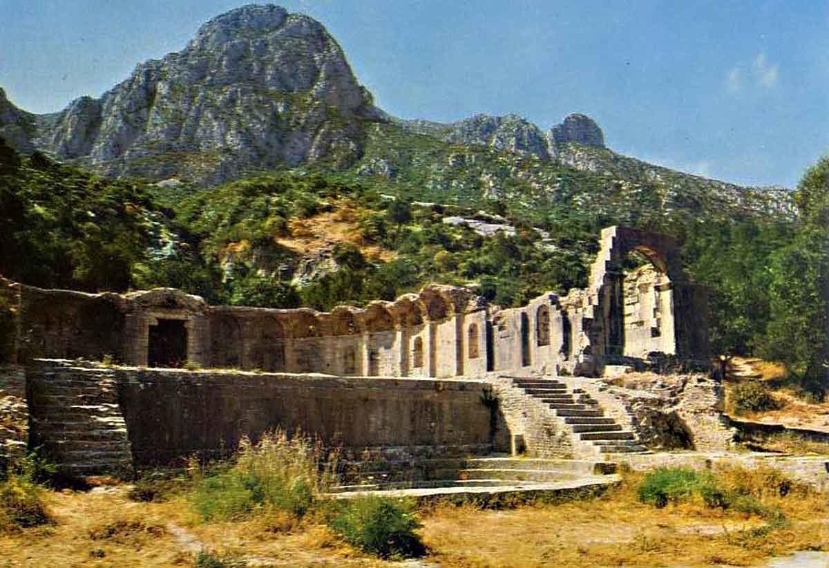 ob_fb4acd_zaghouan-temple-romain