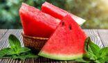حين تشتد الحرارة الصيف يلجأ الناس إلى البطيخ