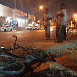 بلدية الهفوف تغلق مستودعًا مخالفًا وتصادر ٣٧ ألف عبوة فاسدة