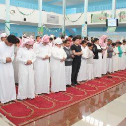 ابتدائية الشقيق تكرم 44 أسرة متعاونه