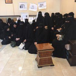 معلمي وطلاب ثانوية ذات الصواري بالكلابيه يتفاجؤن بدخول مدرب المنتخب السعودي عليهم