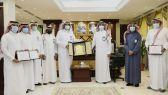 العتيبي يكرم مدرسة الأمير سعود بن جلوي بفوزها بجائزة حمدان بن راشد